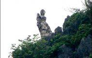 Núi Vọng Phu: Những Thiếu Phụ Chờ Chồng Muôn Kiếp
